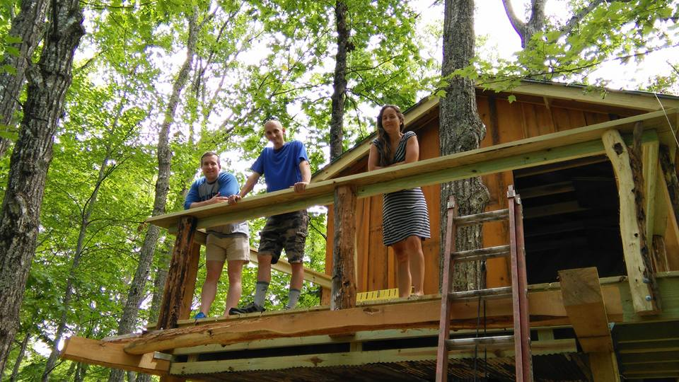 gathering-world-asheville-treehouses-brevard-treehouse-family