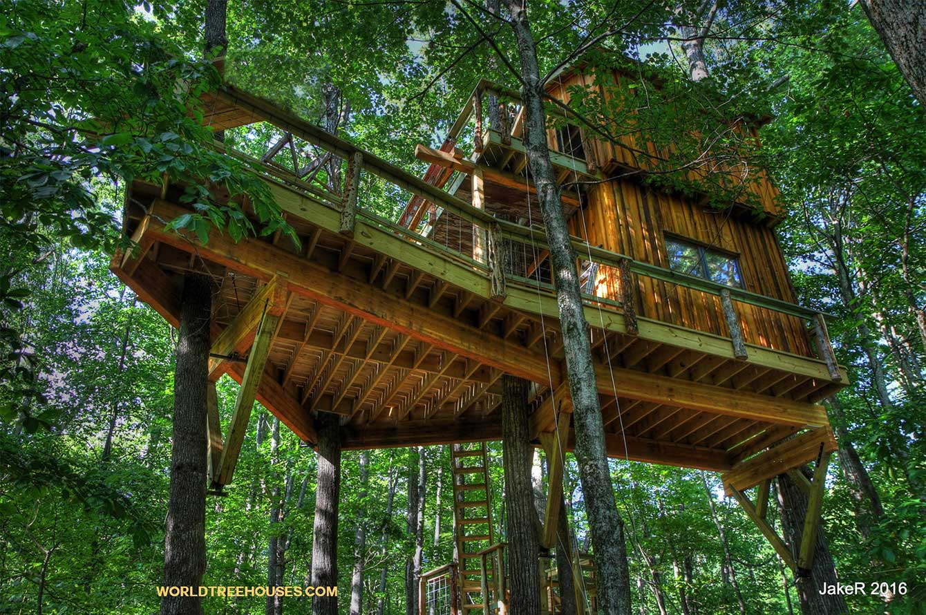 A Brevard NC Treehouse Retreat
