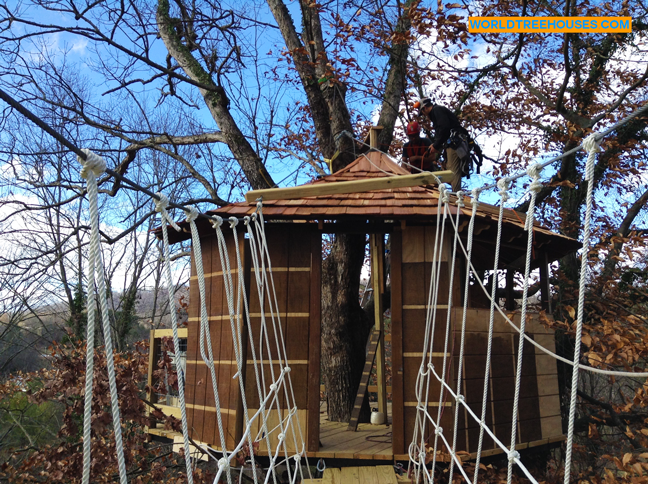 World Treehouses Chips In On A New Mars Hill Nc Backyard