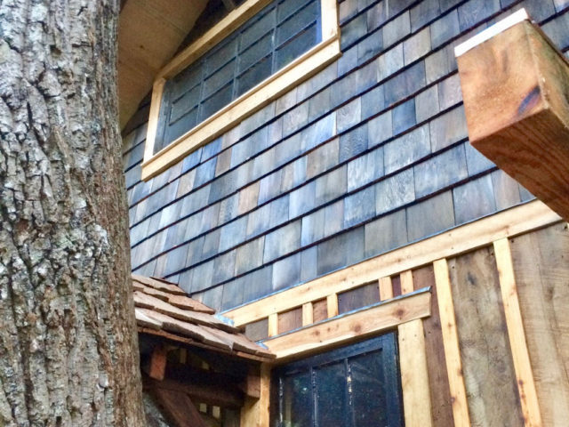 Western NC tree house builder : Panthertown iron-stained cedar shake