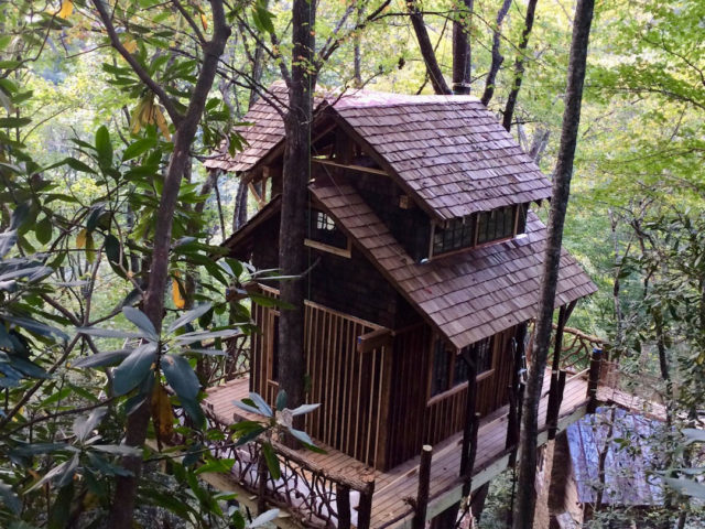 WNC tree house builders : Panthertown Siding and Railing