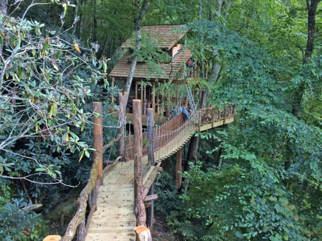 NC tree house builders: Panthertown Treehouse with Bridge 3