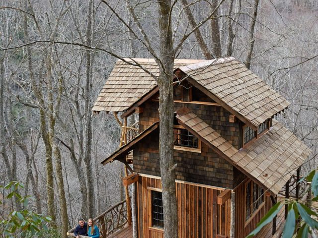 Western NC tree house builder : Celebrating on a deck in the sky!