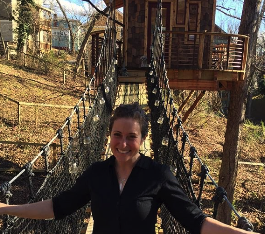 WNC TREE HOUSE BUILDERS: Mantis Gardens post of Rachel's treehouse!
