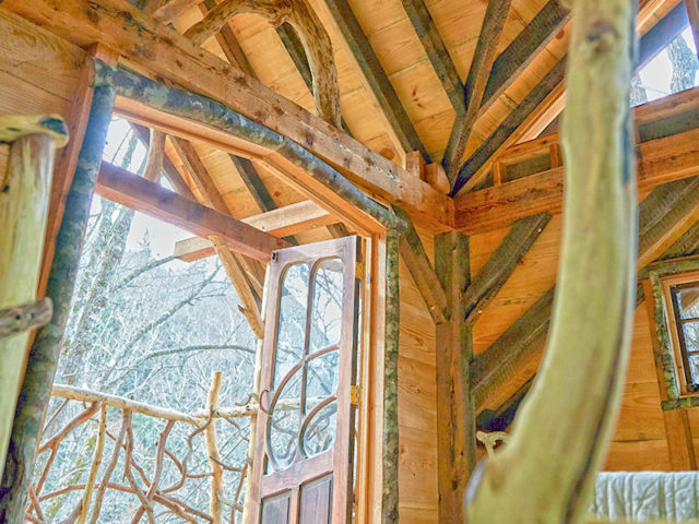 WNC TREEHOUSE BUILDER: Panthertown Treehouse: Interior Craftsmanship Completes the Tree Retreat Experience