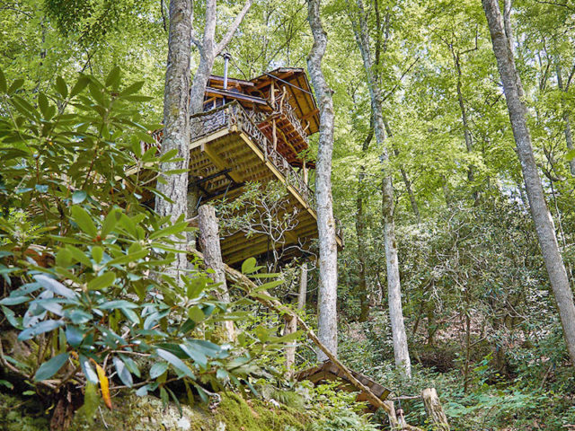 NC treehouse builders: Panthertown Treehouse: A secluded escape amidst the trees
