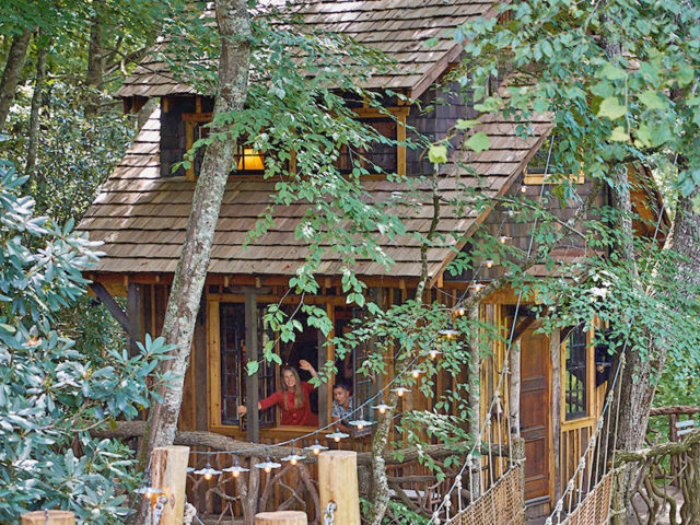 WNC Tree House builders: Panthertown Treehouse: Come visit us in our treehouse, the view is magical!